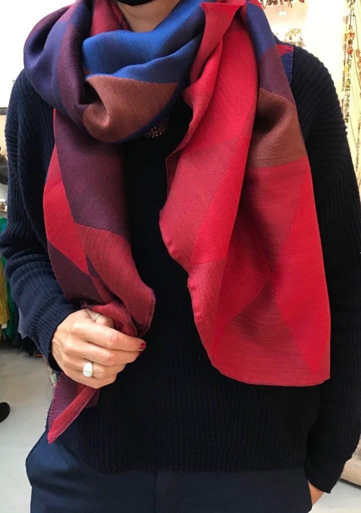 Die wunderschönen Schals made in Lyon von Tratis Paris berreichern unser Schalsortiment